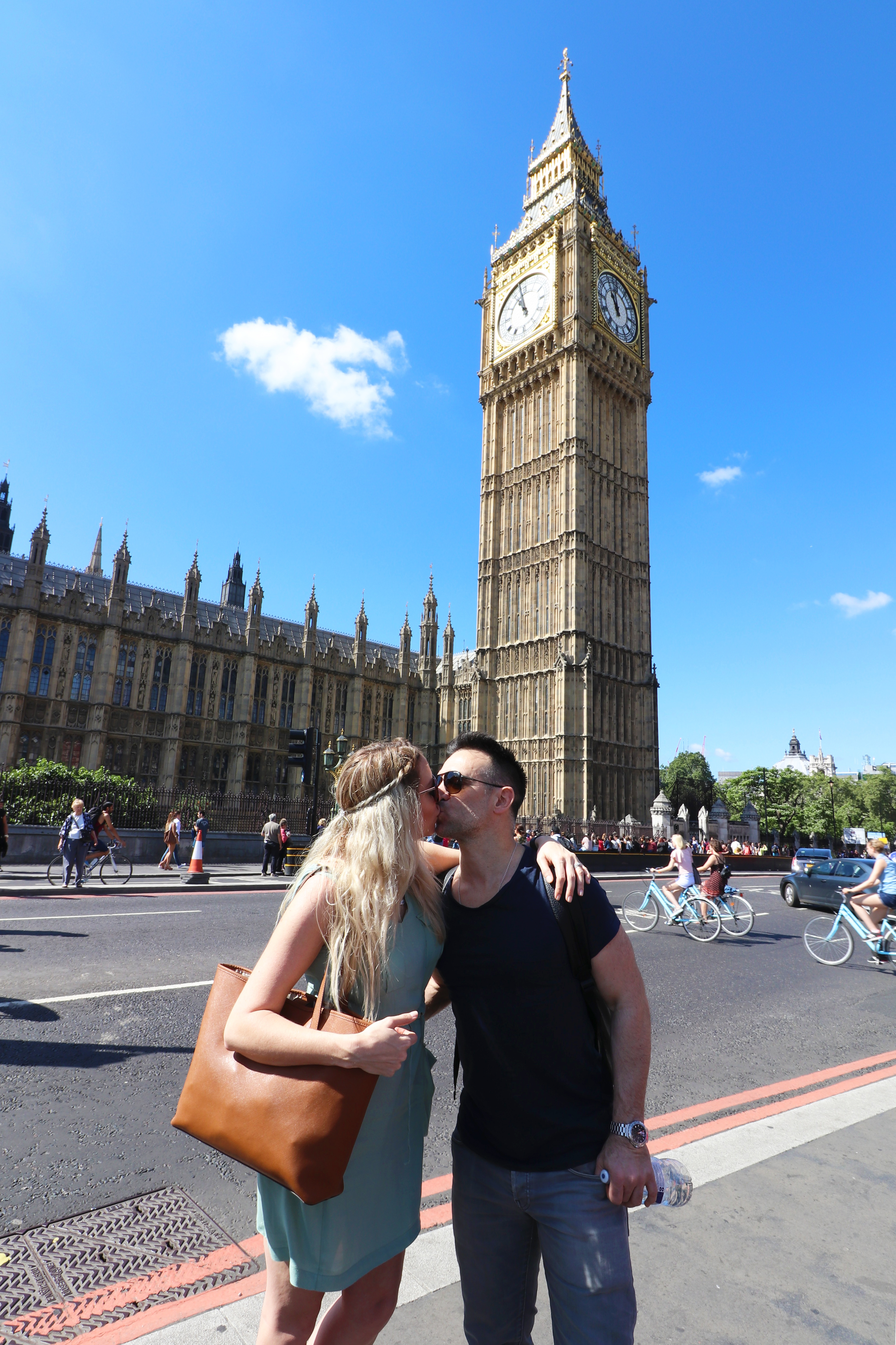 kisses-at-big-ben-copy
