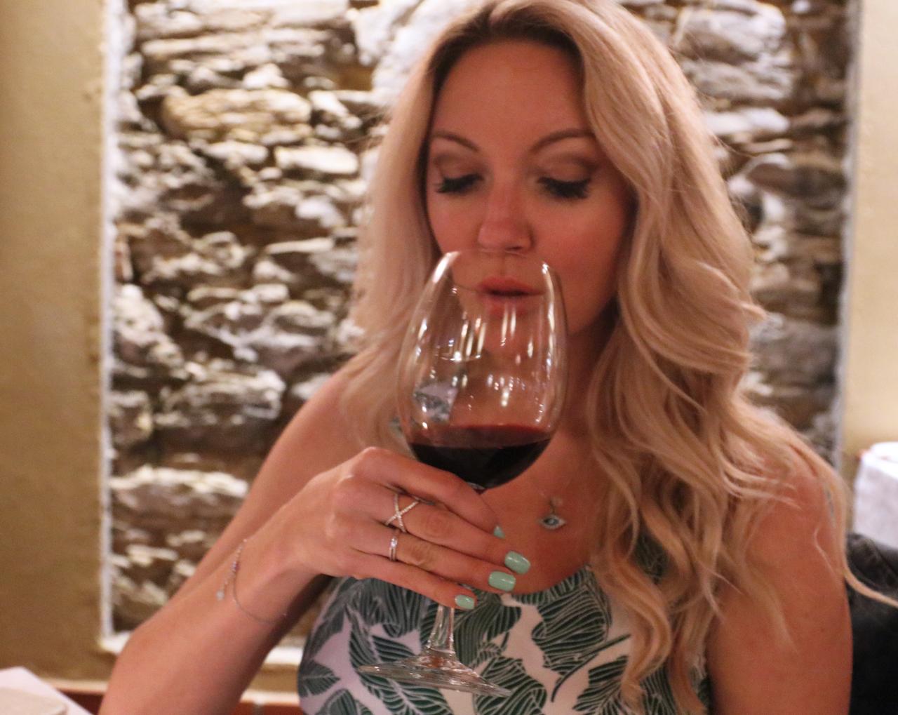bailey-schneider-wine-copy
