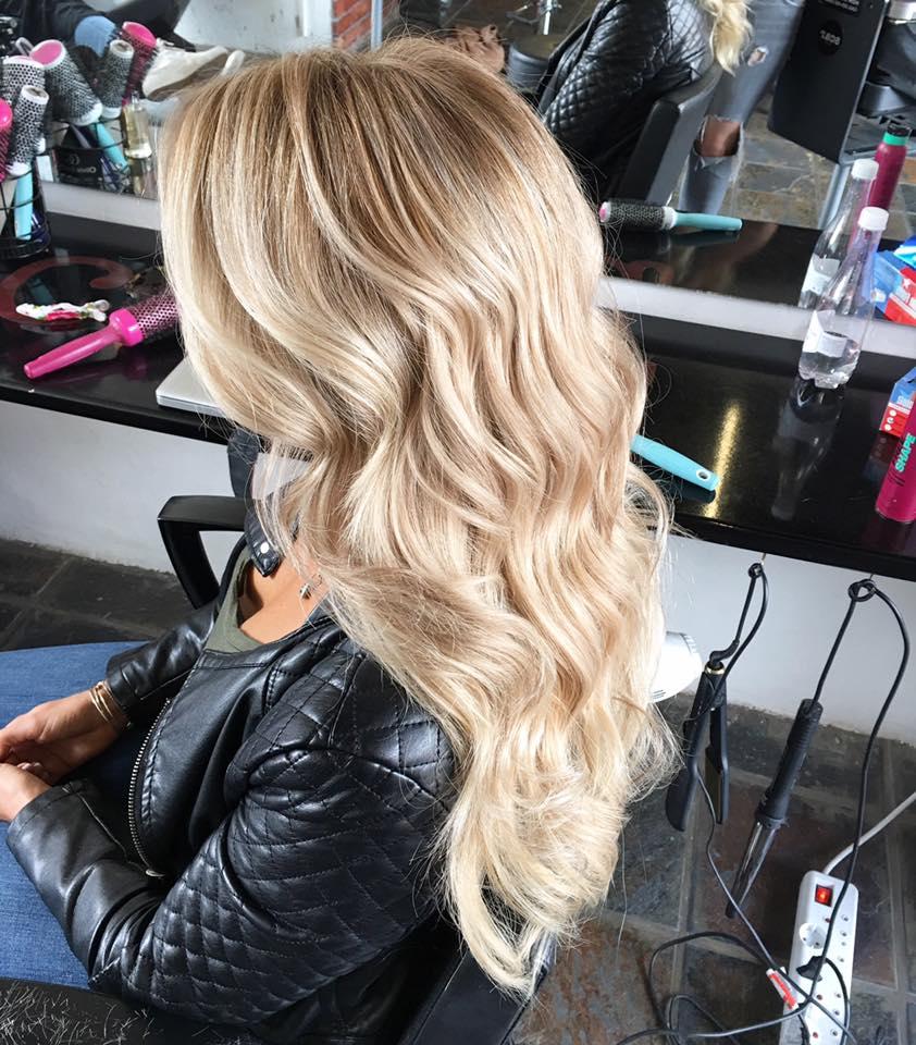 bailey-schneiders-blonde-hair