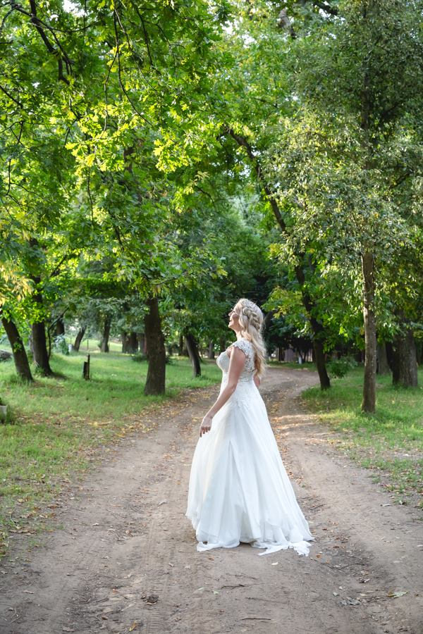 bailey-schneiders-wedding-dress-by-hendrik-vermeulen-4